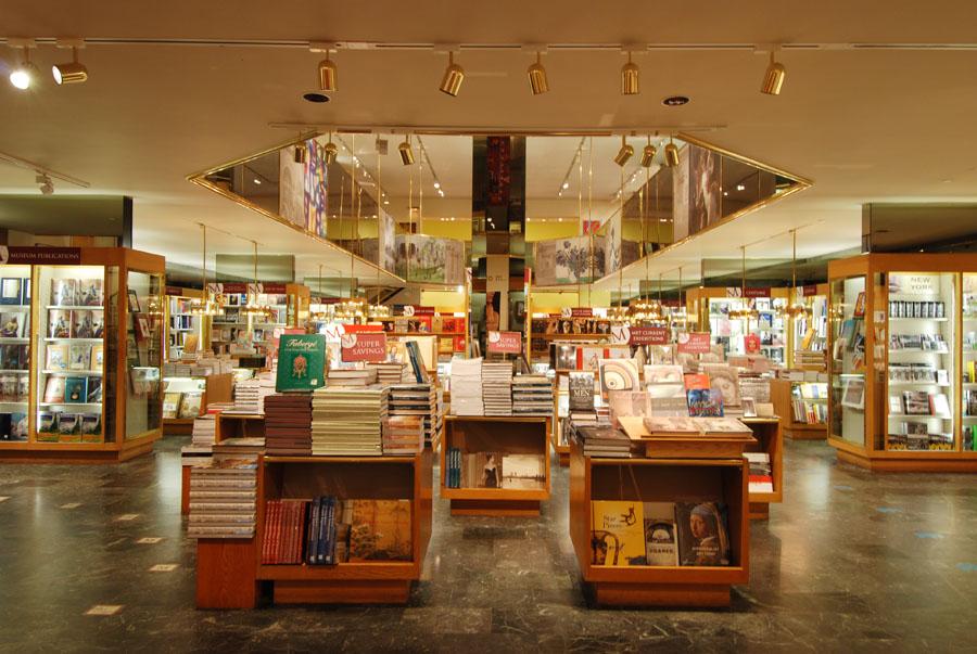 Book Shop 1_klein